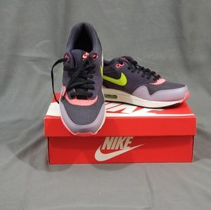 NWT Nike AirMax